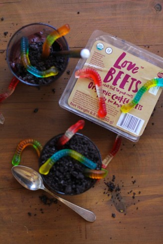 vegan worms and dirt halloween dessert with beets